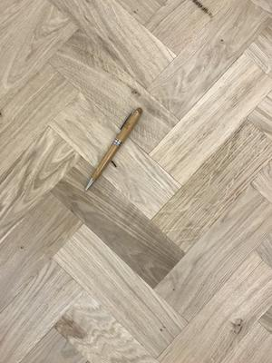 Stake parquet in Oak tree 16x68x204 mm. Short format!