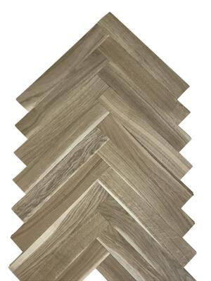 Herringbone park Oak Rustic with splint 16x68x408 mm.